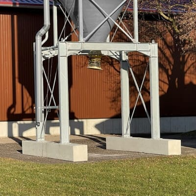Betonschwellen zur Aufstellung von Mobilen Silos aus GFK/Stahl