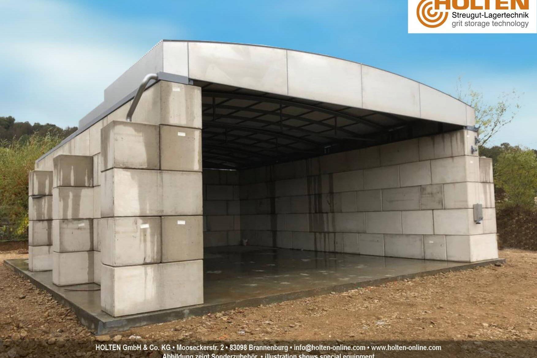 Offener Betonblock mit verschiebbarem Dach