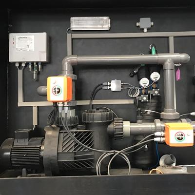 Eingebautes Pumpensystem der Solepumpstation B1