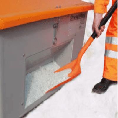 Verwendung des Materials Polypropylen für die Schneeschaufeln aus GFK und PP
